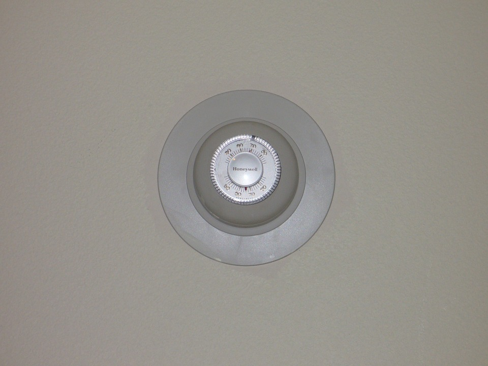 wall-thermostat-543131_960_720