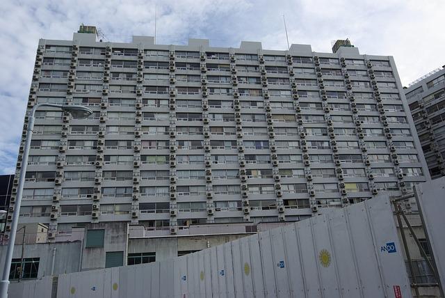 apartments-810392_640