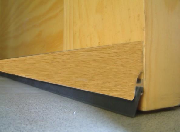burlete-bajo-puerta-aluminio-105-labio
